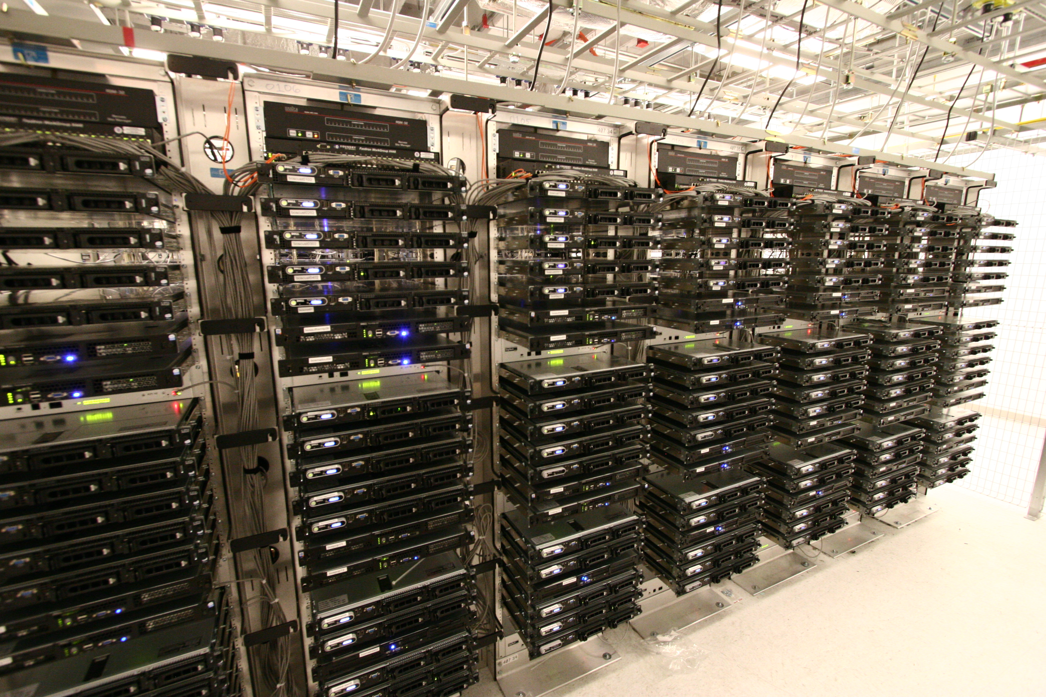 24 Free Data Center Photos